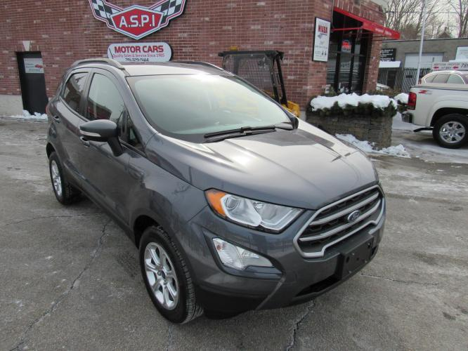 2018 Gray Ford EcoSport SE AWD (MAJ6P1UL4JC) with an 2.0L L4 DOHC 16V engine, 6A transmission, located at 215 Milton St, Dedham, MA, 02026, (781) 329-5144, 42.241905, -71.157295 - Photo #0